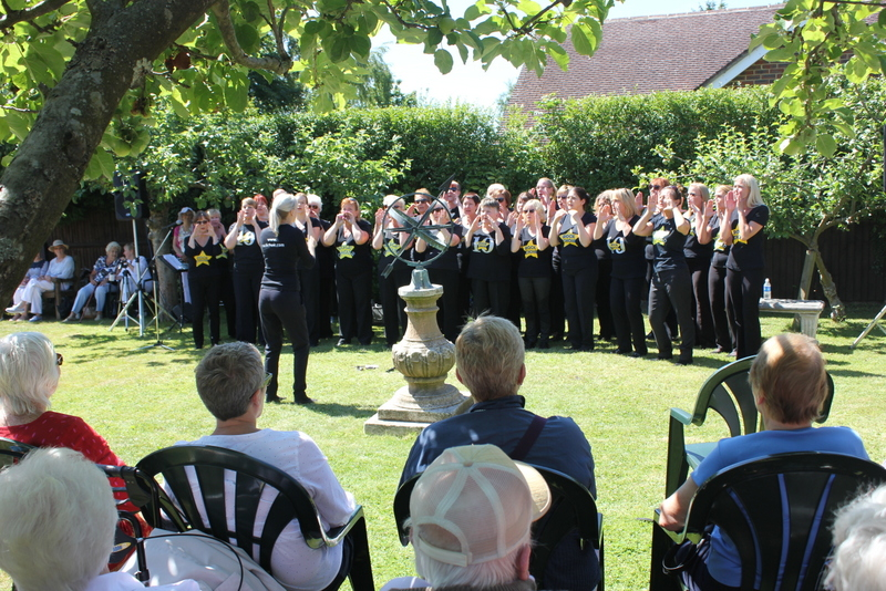 Rock Choir - Music in the Garden 2017 - Freda's Garden
