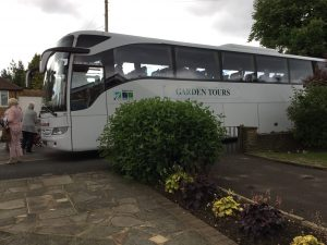Visitors from Holland arrived by coach