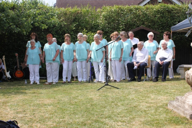 Carefree Singers performing at Music In The Garden