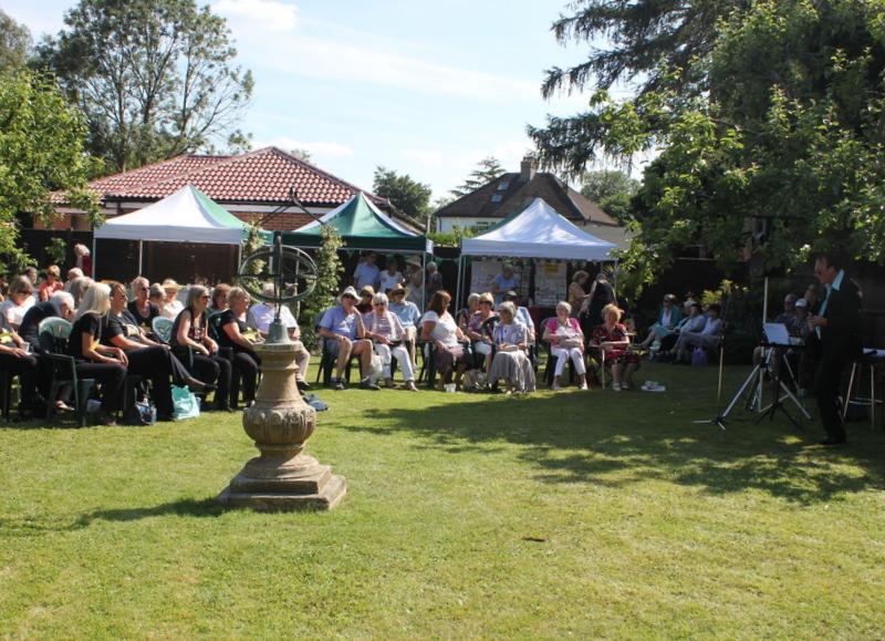 Pete Sinclair - Music in the Garden 2017 - Freda's Garden